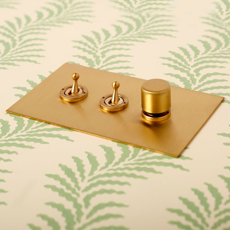Brushed Brass 3-gang Lightswitch