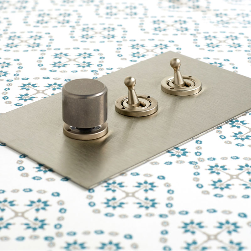 Stainless Steel 3-gang Lightswitch